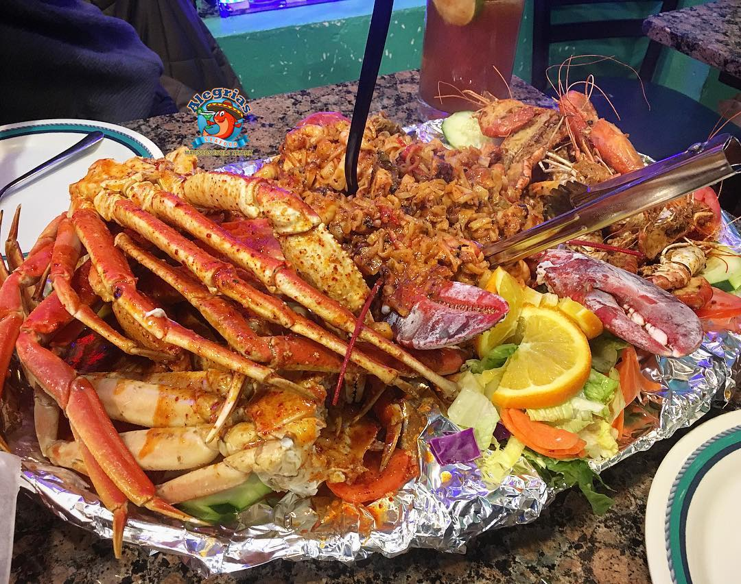 alegrias-seafood-chicago-prawns-crab-legs-mussels-shrimp-charola-mixta-2