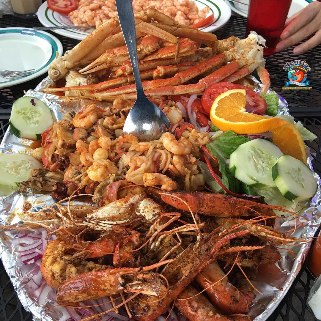 alegrias-seafood-chicago-prawns-crab-legs-mussels-shrimp-charola-mixta-5