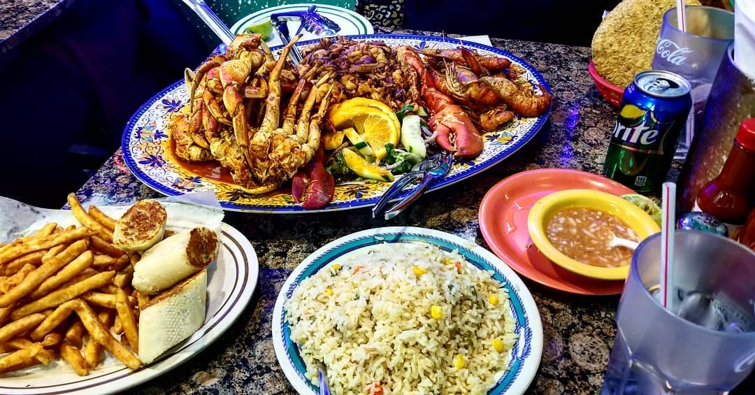 alegrias-seafood-chicago-people-parties-5