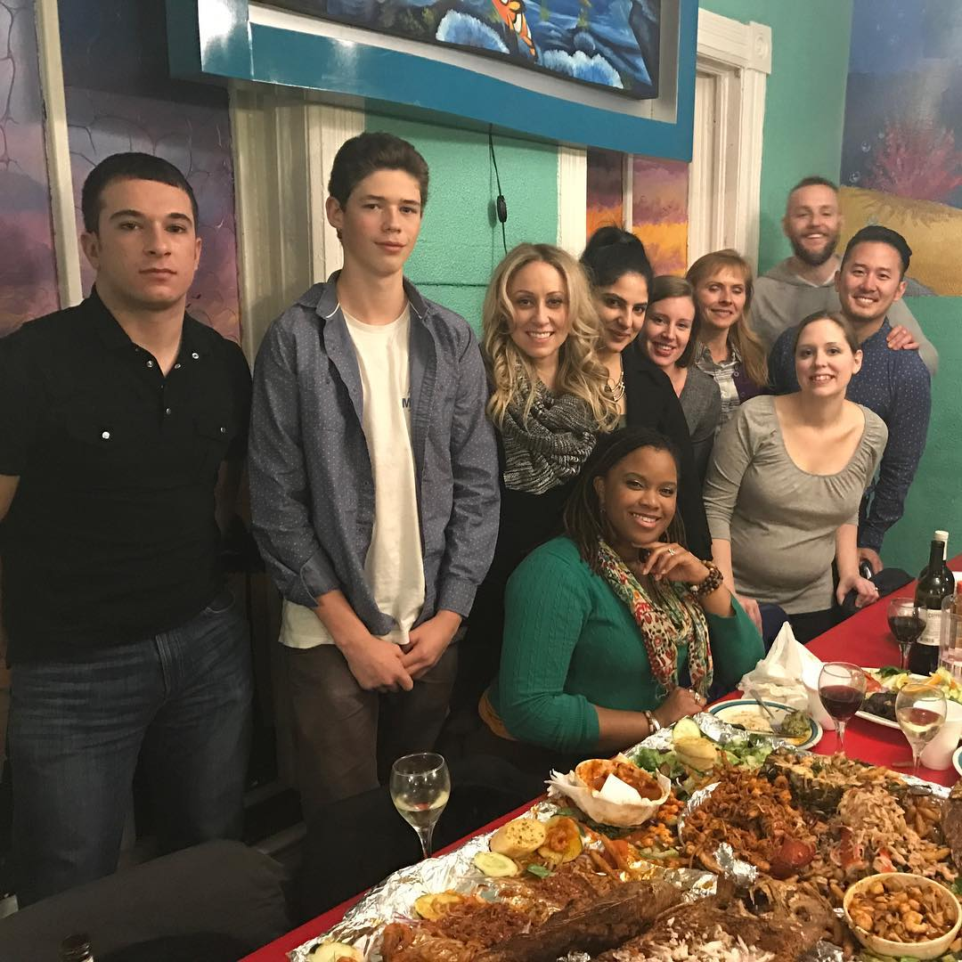 alegrias-seafood-chicago-people-party-14