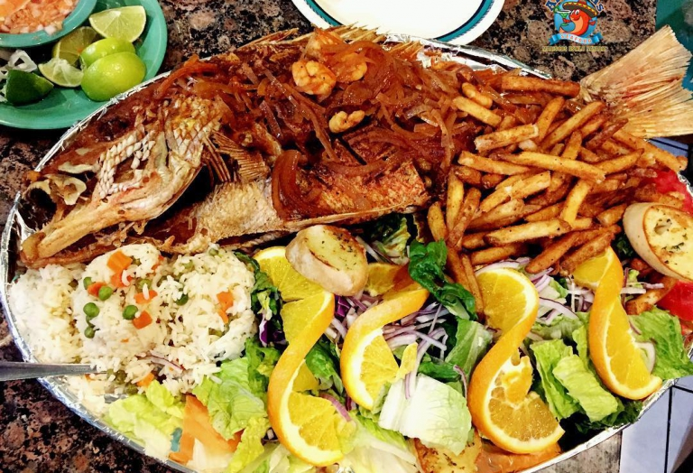 alegrias-seafood-chicago-red-snapper-garlic-huachinango-frito-1