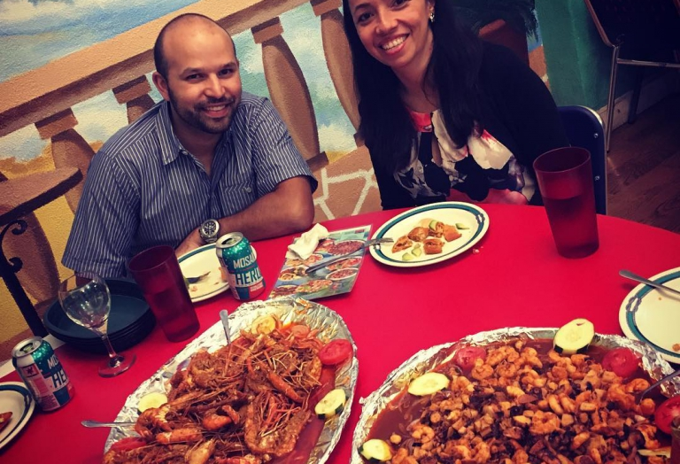 alegrias-seafood-chicago-people-party-20