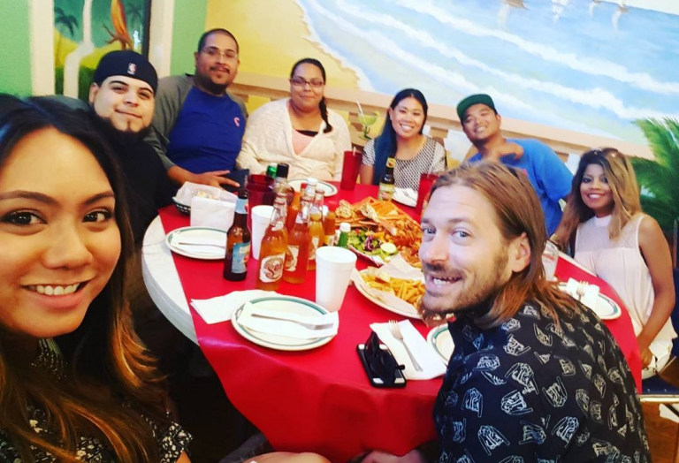 alegrias-seafood-chicago-people-party-22