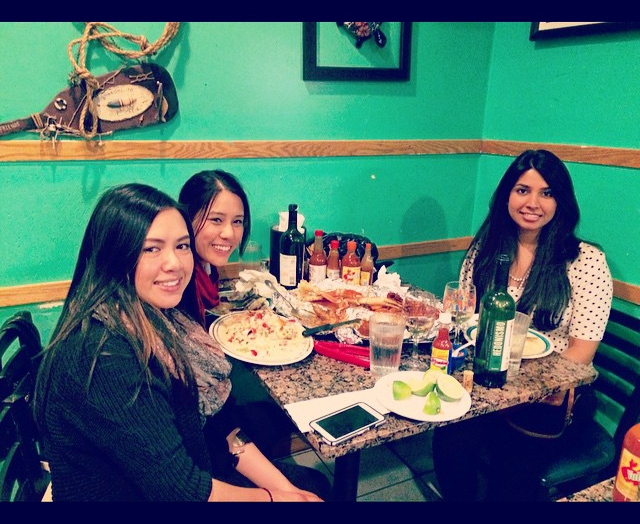 alegrias-seafood-chicago-people-party-47
