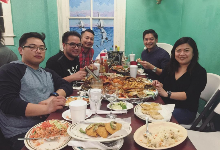 alegrias-seafood-chicago-people-party-8
